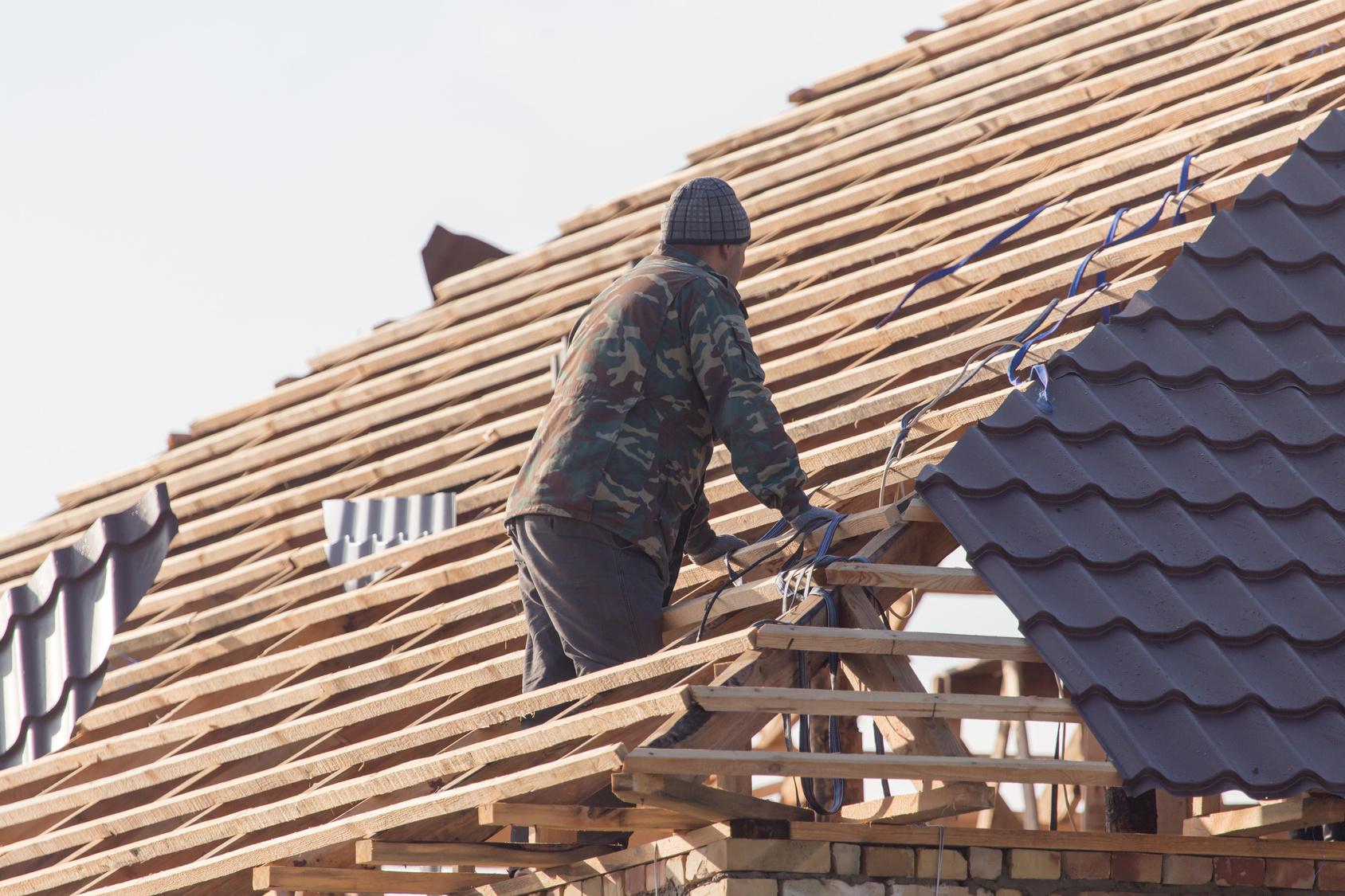 New Roof Roof Replacement Metal Roof Cost Guide In 2020