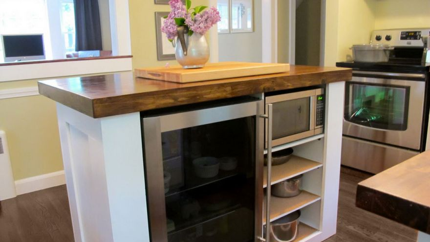 Kitchen Island Ideas For Small Kitchens & Spaces | EarlyExperts